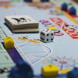 Das Kreuzfahrtschiff Genting Dream wird ab sofort zu einem gigantischen Spielbrett und die Passagiere selbst zu lebendigen Monopoly-Figuren.