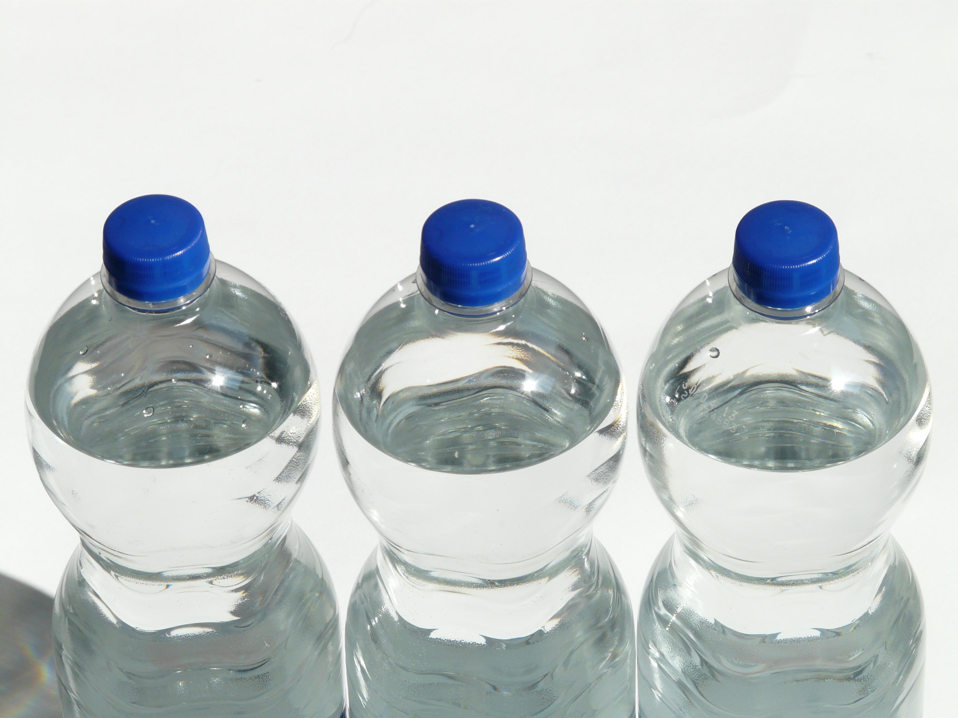 Oceania Cruises spart durch eine neue Partnerschaft mit Vero Water Wasser in Plastikflaschen ein, rund drei Millionen Plastikflaschen im Jahr.