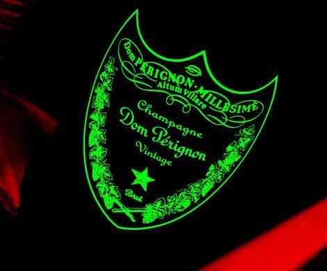 Oceania Cruises hat ein neues exklusives Dom Pérignon Dinner: ein Sechs-Gang-Menü mit komplementierenden Vintage-Jahrgängen Champagner
