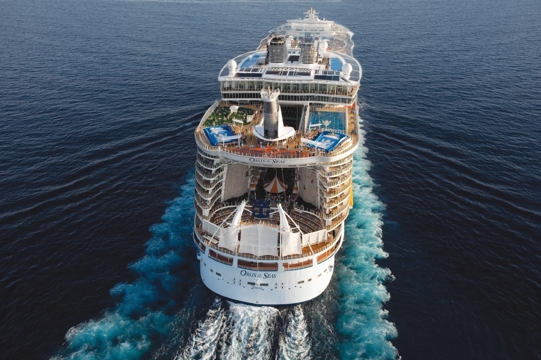 Im Mai 2019 kommt die Oasis of the Seas wieder zurück ins Mittelmeer und fährt als eines der größten Kreuzfahrtschiffe der Welt von Barcelona ab.