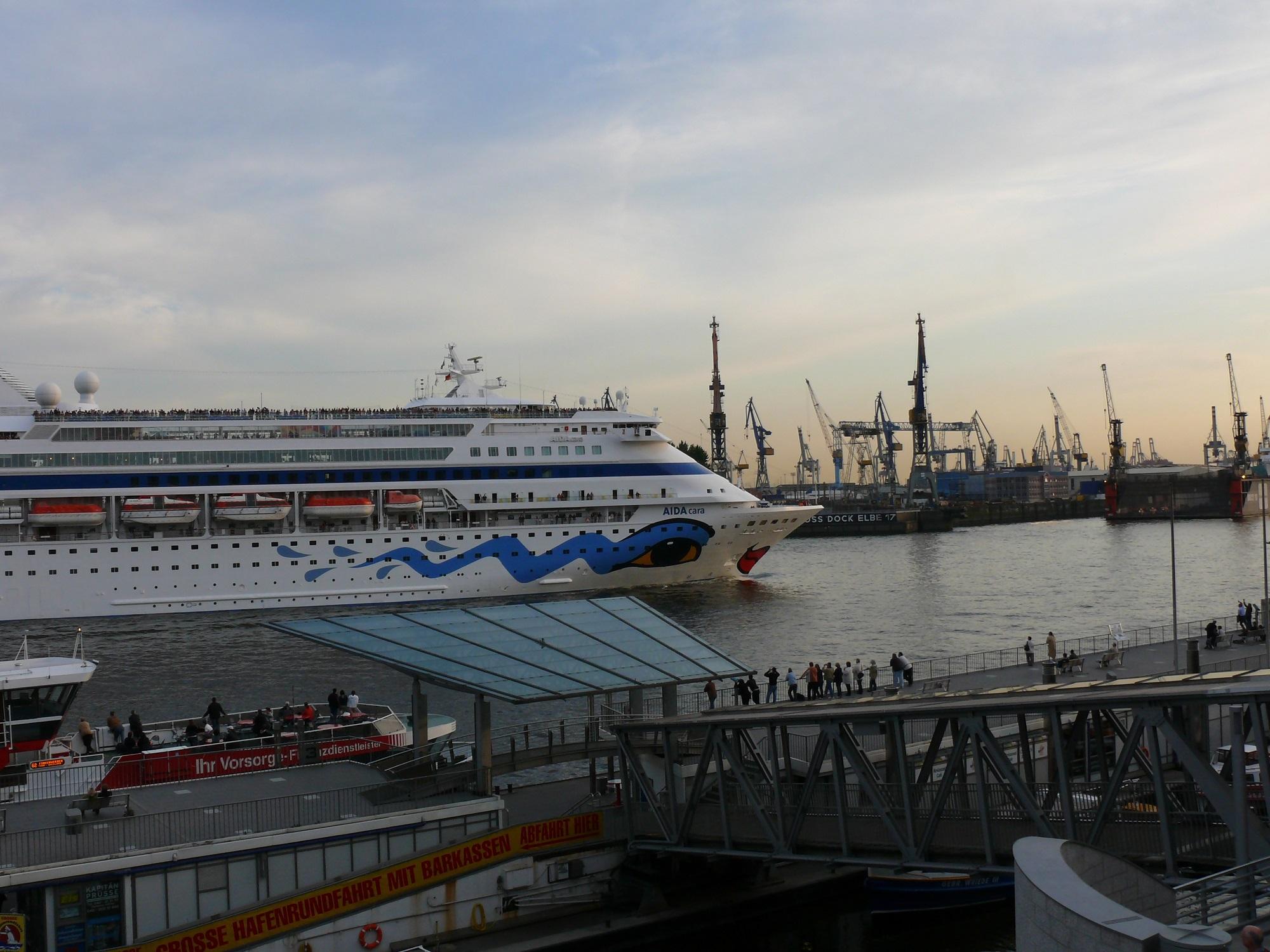 Die AIDAcara wird bei einem großen Werftaufenthalt in Marseille für rund 20 Millionen Euro vor allem im Innenbereich renoviert werden