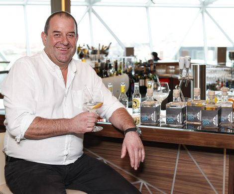 Die Mein Schiff 2 von TUI Cruises führt eine spezielle Fracht, einen eigenen Saltwater´s Gin, persönliche Editionsflaschen sind ab Juni erhältlich