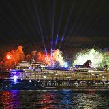 Mein Schiff 2, neuestes Schiff von TUI Cruises, ist in der portugiesischen Hauptstadt Lissabon von Glasperlenspiel-Sängerin Carolin Niemczyk getauft worden.