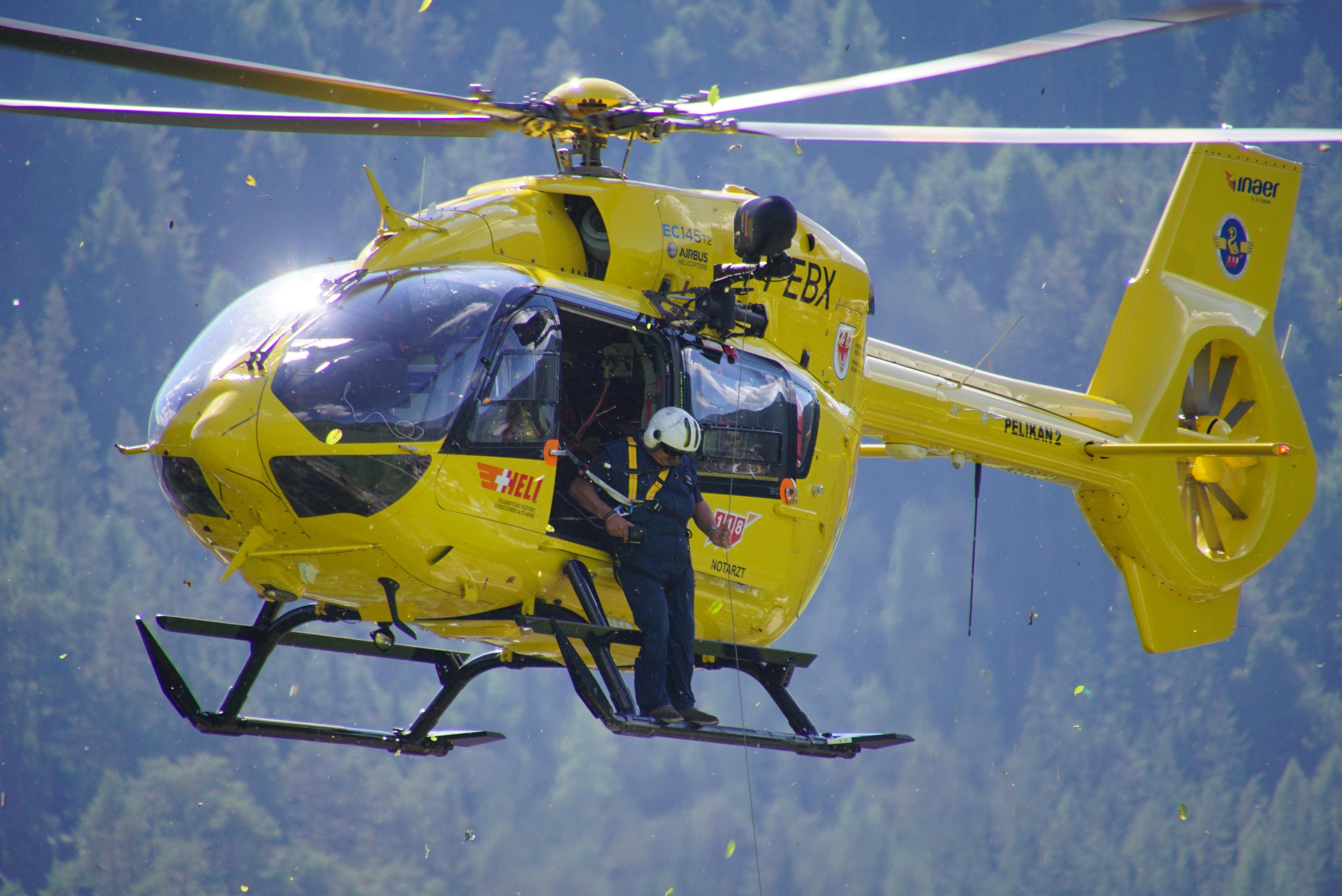 Seenotretter haben in den frühen Morgenstunden mit einem Hubschrauber eine Seniorin von der Costa Diadema gerettet.