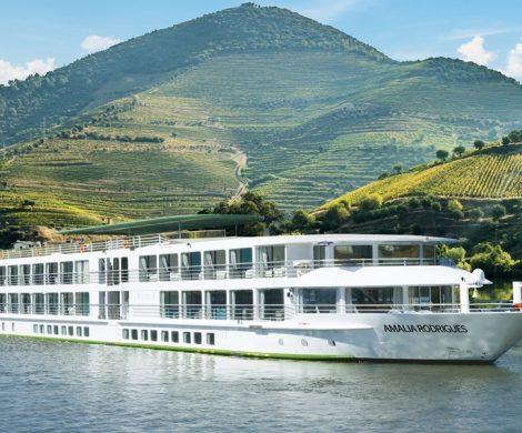 CroisiEurope hat ein Luxus-Schiff für den Douro in Dienst gestellt, die Amalia Rodrigues. Das neueste Fünf-Anker-Schiff hat auch einen Swimming Pool