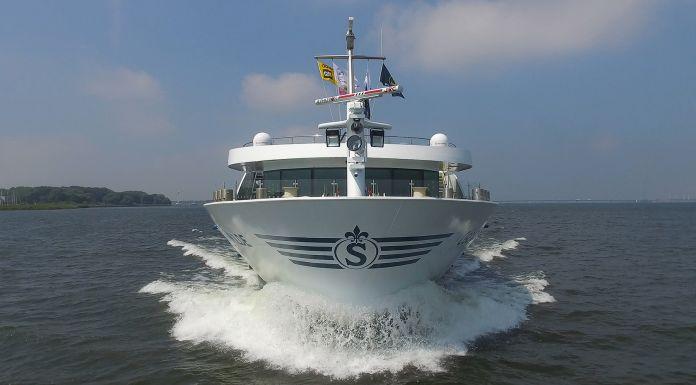 Das Flusskreuzfahrtschiff MS Edelweiss der Schweizer Reederei Skylla ist, im niederländischen Nimwegen mit einem Frachtschiff zusammengestoßen und schwer beschädigt worden.