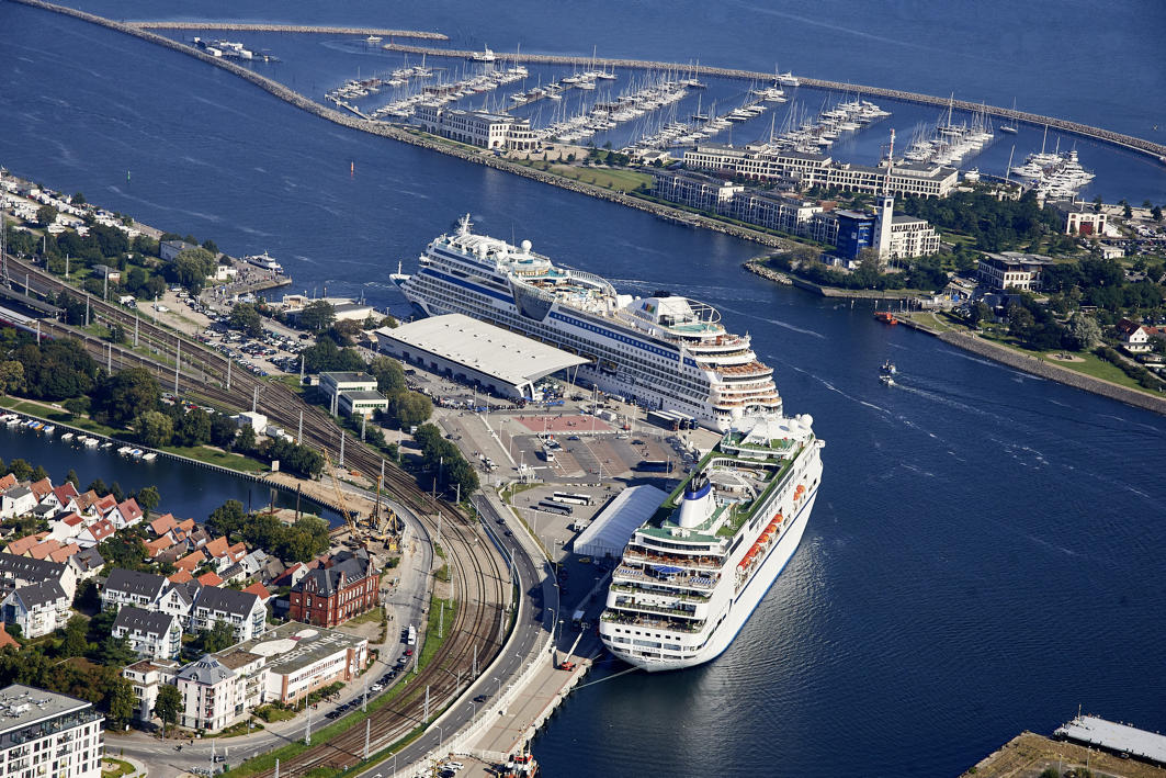 Warnemünde plant ein neues Kreuzfahrtterminal, das zur Saison 2020 fertig sein soll und feiert Saisoneröffnung 2019 am 19. April mit der MSC Poesia