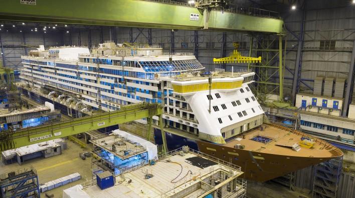 """Am Freitag, 24. Mai 2019, steht dienächste Emsüberführung von der Meyer Werftin Papenburg zur Nordsee an: Die """"Spirit of Discovery"""" fährt los"""
