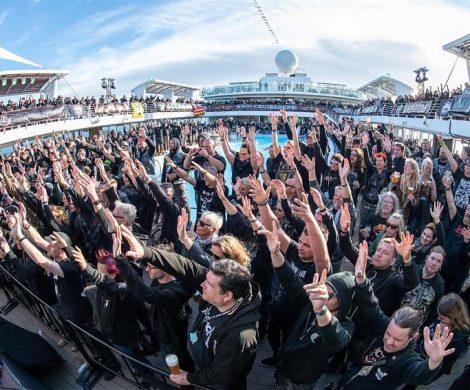 Full Metall Cruise: Zum achten Mal hieß es bei TUI Cruises Schiffsstahl trifft auf Heavy Metal und die Mein Schiff 6 wurde zur schwimmenden Konzertbühne.