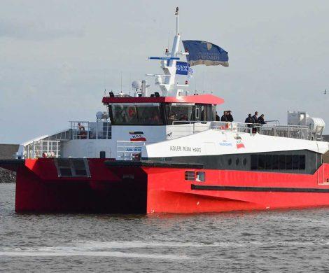 Ein neuer Katamaran der Wyker Dampfschiffs-Reederei mit einer Kapazität für 250 Passagiere verkehrt zwischen Föhr, Amrum, Hooge, Langeness und Dagebüll