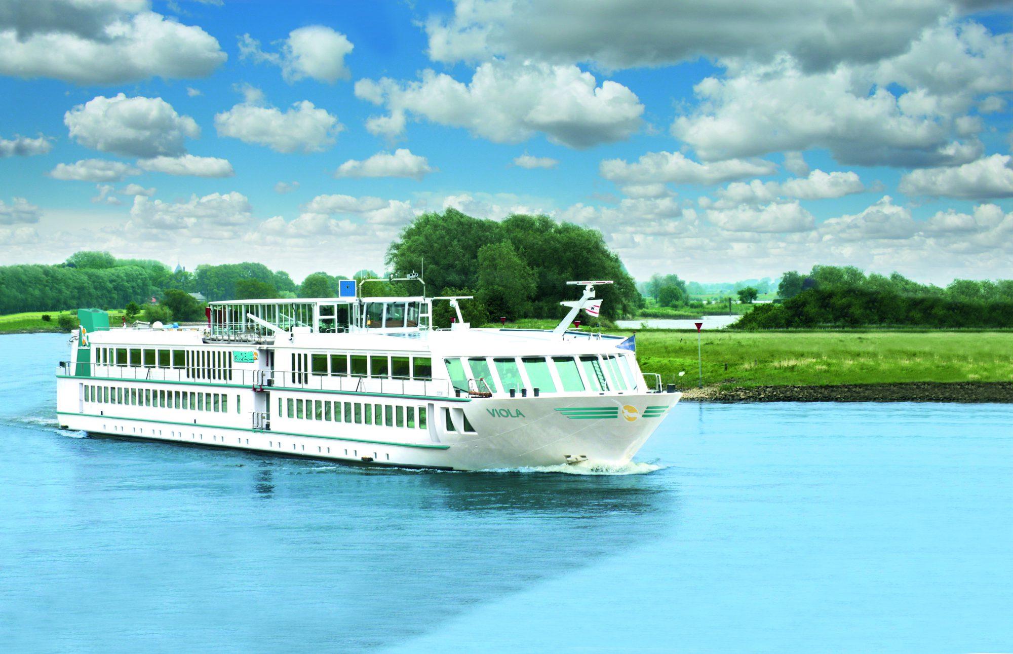Mit der MS Viola ist erstmals ein speziell auf die Bedürfnisse von Rollstuhlfahrern ausgerichtetes Flusskreuzfahrtschiff unterwegs.