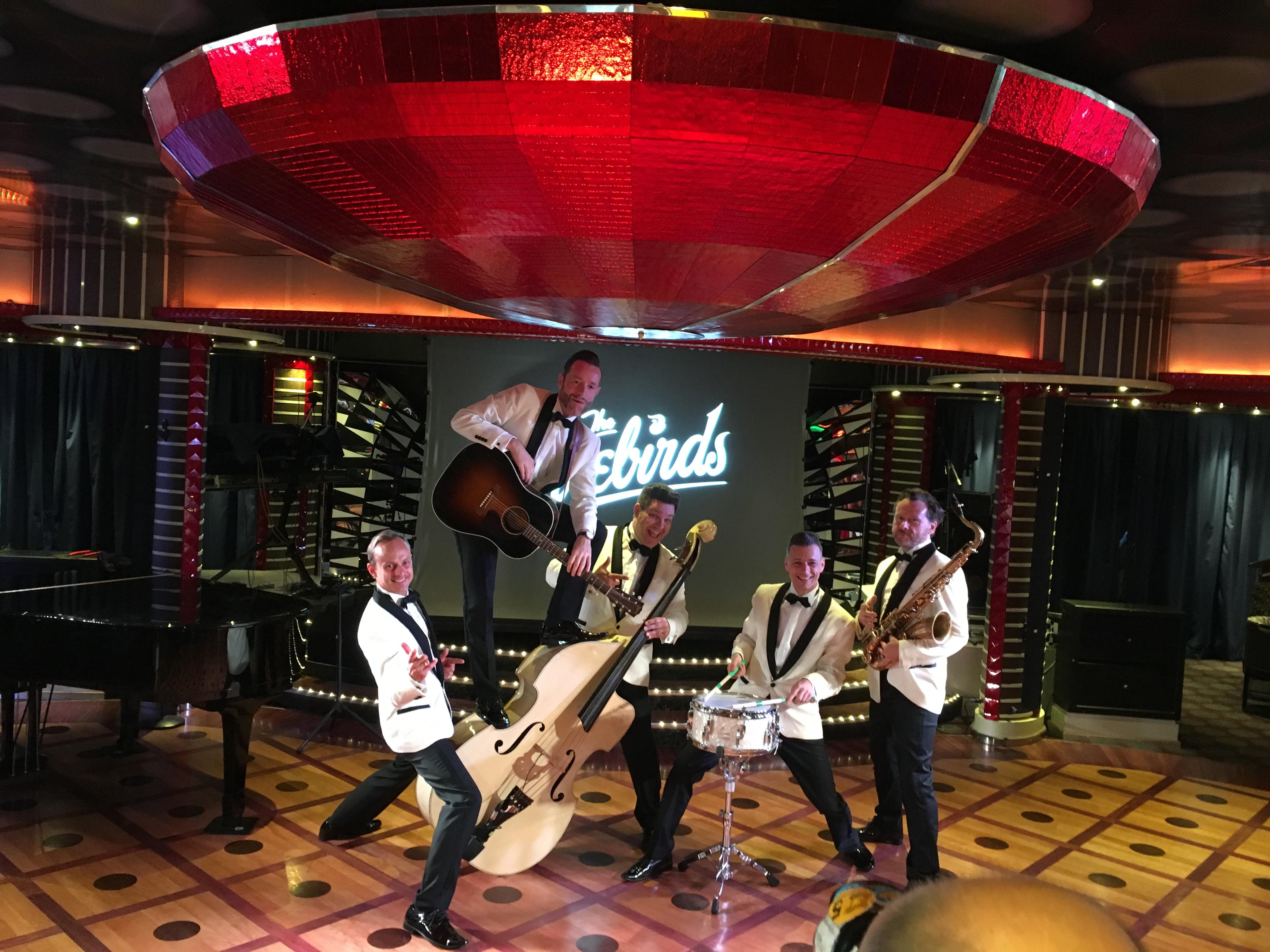 """Costa Kreuzfahrten und diverse RocknRoll Bands wie die Leipziger Kultband """"The Firebirds"""" feiern im Oktober 2020 zusammen mit ihren Fans für eine Woche auf dem Mittelmeer"""