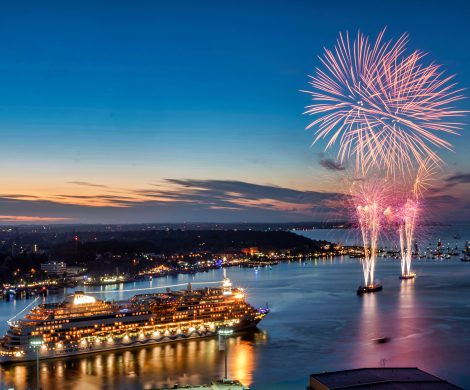 AIDA Cruises engagiert sich im Rahmen der 125. Kieler Woche vom 22. bis zum 30. Juni 2019 erneut als Event-Sponsor und bringt vier AIDA Kreuzfahrtschiffe zum größten Segelevent der Welt
