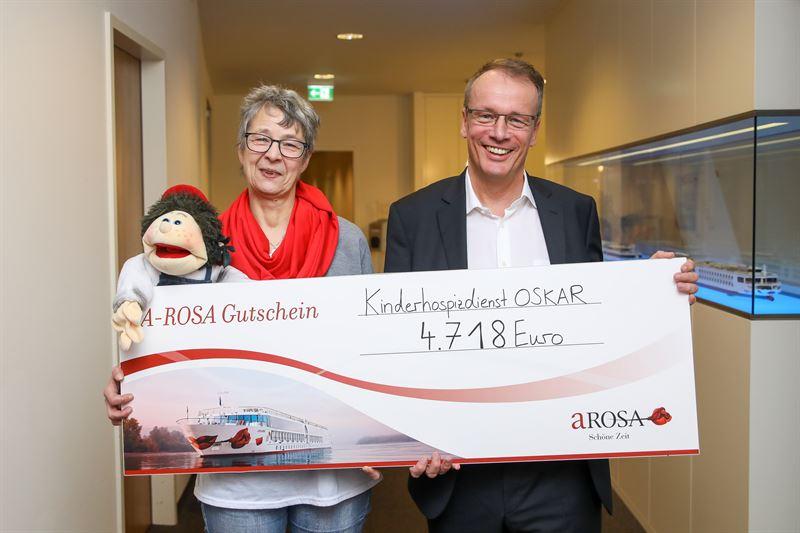 Soziales Engagement A-Rosa spendet den diesjährigen Erlös seiner Neujahrstombola an Bord seiner Flotte in Höhe von 14.155 Euro an drei Rostocker Projekte