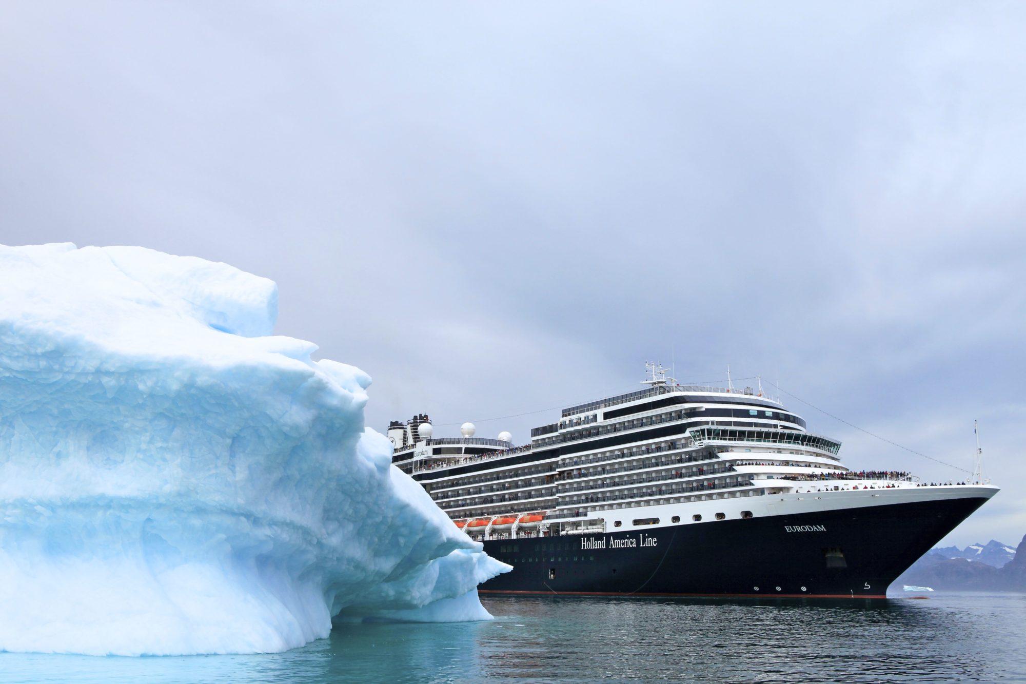 Im Sommer 2021 läuft Holland America Line auf 13 seiner Nordamerika-Routen auf 7- bis 17-tägigen Fahrten von April bis Oktober Grönland als neues Ziel an.