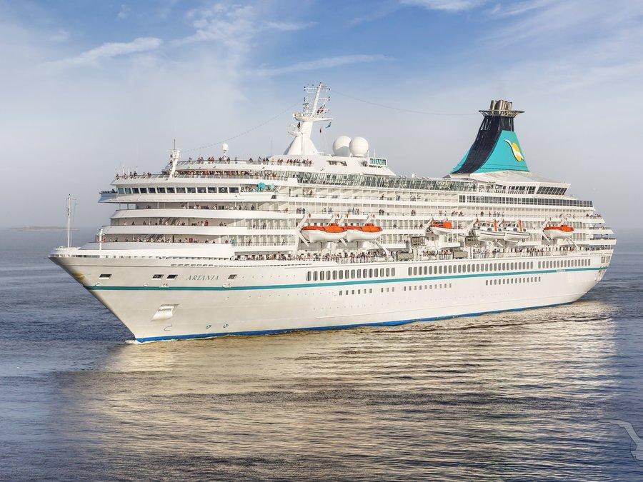 Die Artania von Phoenix Reisen darf nicht im australischen Perth andocken. Ein ehemaliger Passagier war zuvor positiv auf das Corona-Virus getestet worden.