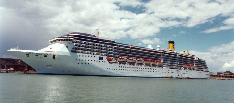Besatzungsmitglieder der Costa Atlantica haben sich mit dem Coronavirus infiziert, 34 der 623 Crew-Mitglieder wurden positiv auf den Erreger getestet