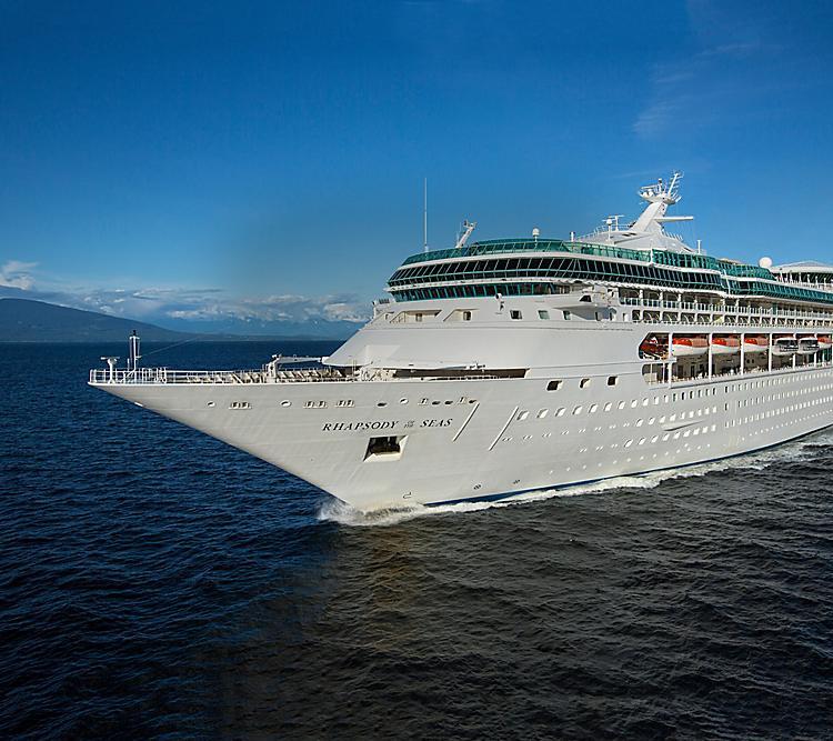 """Royal Caribbean sucht für die """"Rhapsody of the Seas"""" einen Käufer. Das 1997 in Dienst gestellte Kreuzfahrtschiff soll 85 Millionen US-Dollar kosten"""
