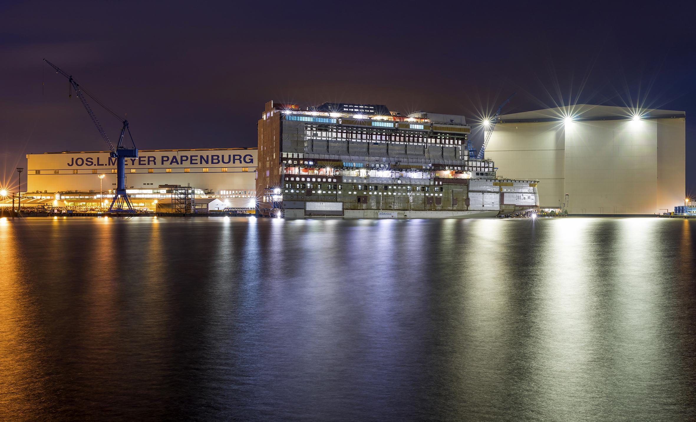 Die Meyer Werft in Papenburg hat als Reaktion auf die durch das Corona-Virus bedingte Auftragsflaute für sechs Wochen die Arbeit eingestellt