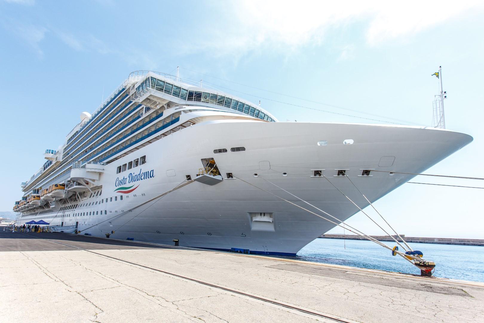 Auch Costa Kreuzfahrten geht nach dem Corona-Lockdown wieder in Betrieb. Die Rückkehr in den operativen Alltag soll gestaffelt erfolgen, die Zahl der für Passagiere buchbaren Kreuzfahrtschiffe wird schrittweise erhöht. Als erstes wird die Costa Deliziosa am 6. September 2020 in See stechen