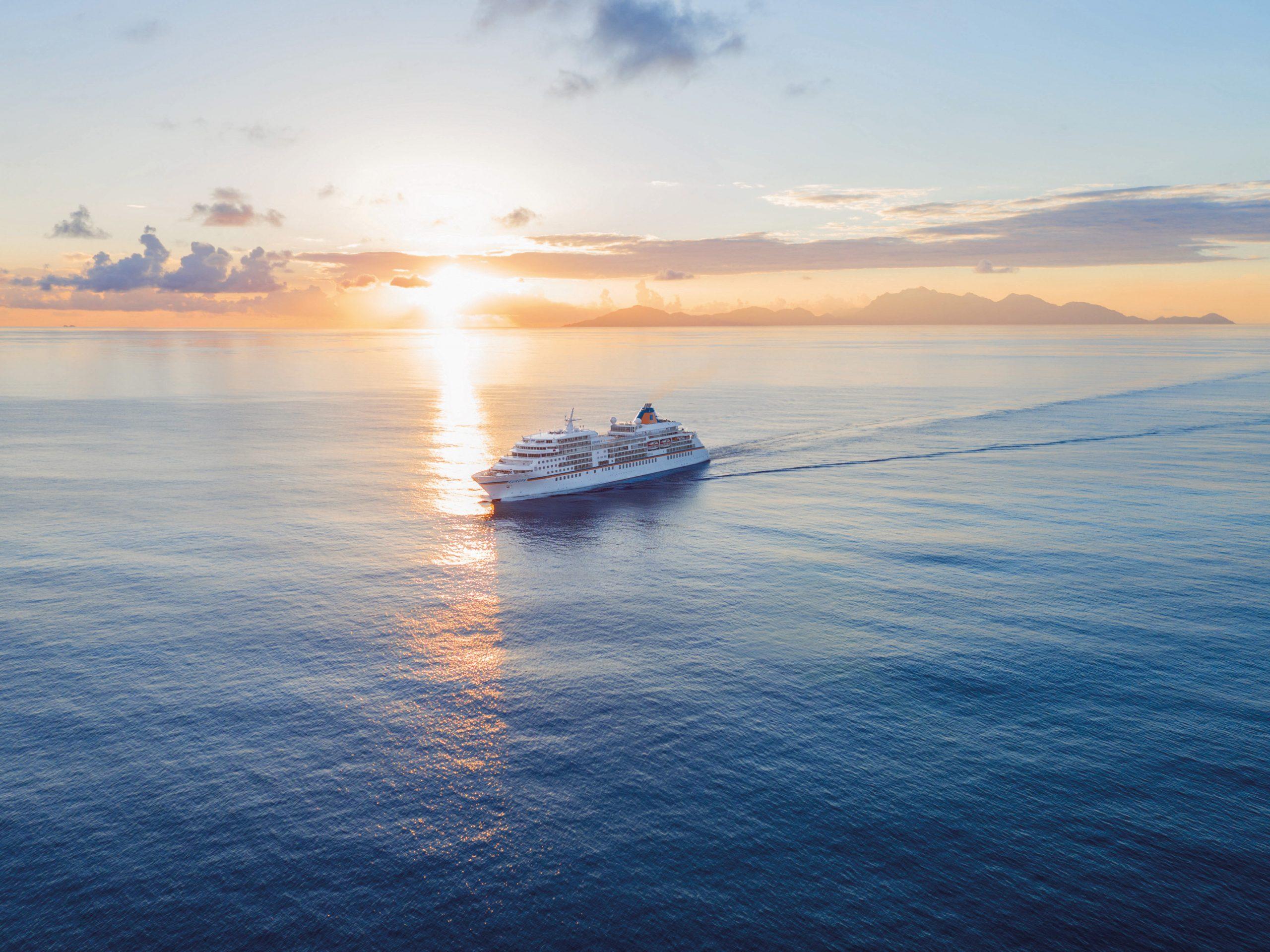 Hapag-Lloyd Cruises wird mit ihren vier Schiffe neue Routen in der Nord- und Ostsee fahren, bei denen auch in ausländischen Häfen angelegt werden kann.