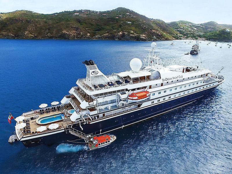 """Gleich die erste Karibik-Kreuzfahrt seit dem Corona-Lockdown ist schiefgelaufen: Auf der """"Sea Dream I"""" wurde ein Passagier positiv getestet."""