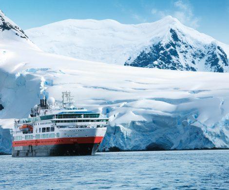 Das neue Antarktis Programm 2022/23 von Hurtigruten ist ab sofort buchbar, mit drei Expeditionsschiffen auf neuen Routen durch die Antarktis