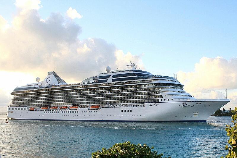 Deutschsprachige Reisebegleiter hat Oceania Cruises in der Saison 2022 auf sieben Kreuzfahrten mit der Marina, Nautica und Sirena an Bord