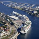Deutsche Kreuzfahrthäfen zählten in diesem Jahr mehr Passagiere als je zuvor. Dabei ergibt sich ein neues Ranking, Rostock-Warnemünde – Heimathafen des größten deutschen Kreuzfahrtanbieters Aida Cruises – liegt an der Spitze.