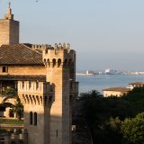 Die Regionalregierung von Mallorca erhöht die Touristensteuer auch für Kreuzfahrer. Der Etat-Entwurf für 2018 sieht vor, jeden Kreuzfahrt-Touristen zur Kasse zu bitten, und zwar unabhängig von der Verweildauer in den Balearen-Häfen.
