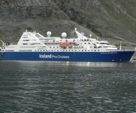 Mit der Ocean Diamond geht es von Grönland nach Island