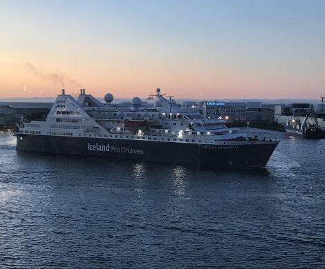 Die Ocean Diamond im Hafen von Reykjavik
