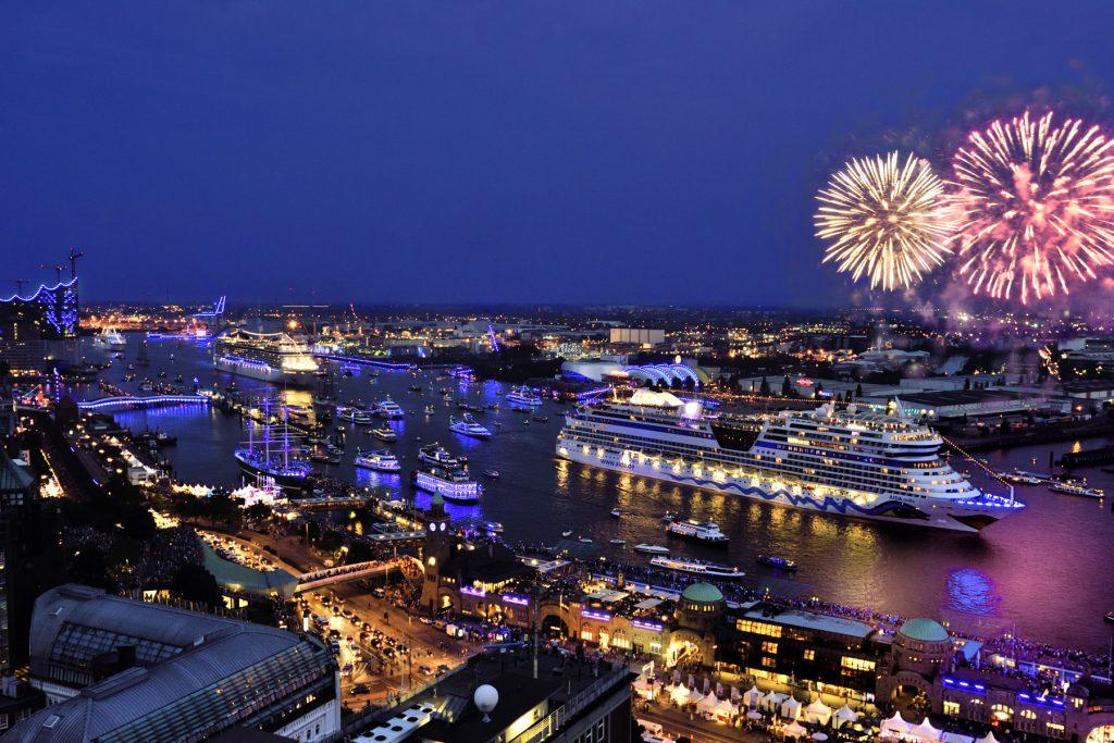 Die Hamburg Cruise Days sind in Gefahr und das gleich doppelt: Der Veranstalter setzt die Stadt Hamburg unter Druck die Kosten für die Antiterrorsicherung zu übernehmen und erwägt sogar gerichtliche Schritte.