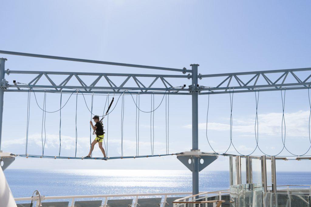 Urlaub auf einem Kreuzfahrtschiff bietet auch jede Menge Abenteuer und Action. Gerade die neuen Schiffe verfügen über ein großes Angebot an actiongeladenen Freizeitmöglichkeiten. Auf den MSC-Schiffen gibt es diese erlebnisreichen Aktivitäten