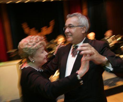 Abends bei Bällen und Tanz im Queens Room laufen die Gntleman Hosts zu Höchstform auf