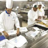 """Costa Crociere hat sein Programm """"4GOODFOOD"""" für einen nachhaltigen Lebensmittelkonsum vorgestellt. Es zielt darauf ab, die Lebensmittelabfälle an Bord der Kreuzfahrtschiffe bis 2020 um die Hälfte zu reduzieren. Rund 54 Millionen Mahlzeiten werden pro Jahr an Bord der 15 Costa Schiffe zubereitet."""
