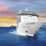 """Die Reederei Norwegian Cruise Line vergrößert ihre Flotte: Das neue Schiff wird """"Norwegian Encore"""" heißen und ab Oktober 2019 in See stechen. Das 17. Schiff der Flotte wird am 31. Oktober 2019 ausgeliefert und kreuzt ab Herbst jeweils sonntags ab Miami auf siebentägigen Kreuzfahrten in der Karibik. Mit einer Größe von 167.800 BRT bietet sie Platz für 4.000 Gäste."""