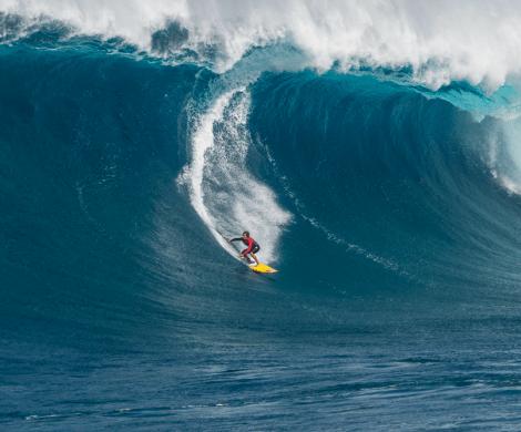 Die ersten vier Ausgaben der Ocean Film Tour waren ein voller Erfolg, ausverkaufte Säle allerorten, und es gibt wenig Grund zu zweifeln, dass dies auch bei der fünften Auflage so sein wird. Die Ocean Film Tour Volume 5 zeigt ab März neue Meeresabenteuer und Wassersportfilme mit jeder Menge Action auf und unter Wasser.