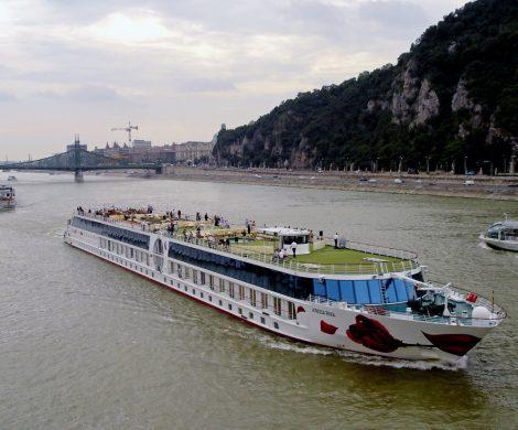 Im vierten Jahr in Folge legte die A-ROSA Flussschiff GmbH eine Steigerung des Betriebsgewinns sowie des Gesamtumsatzes hin. So wuchs in 2017 der Gesamtumsatz um 6 Prozent im Vergleich zum Vorjahr.