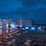 In einer gemeinsamen Aktion suchen AIDA Cruises und Bild am Sonntag eine Familie als Taufpate für das neue Schiff AIDAnova. Alle Details zur Teilnahme