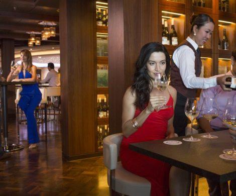 """Das Cagney's Steakhouse an Bord der Norwegian Escape wurde vom Wine Spectator mit dem """"Award of Excellence"""" ausgezeichnet."""