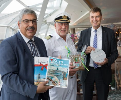 Die Mein Schiff 1 hat erstmals am Bremerhavener Kreuzfahrtterminal festgemacht und wurde mit einem bunten Rahmenprogramm empfangen.