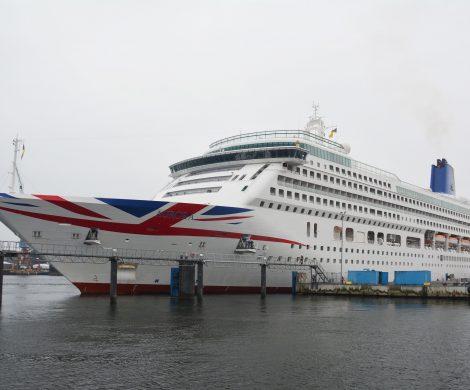 Zum ersten Mal überhaupt erreicht Kiel die Marke von 150 Kreuzfahrtanläufen in einer Saison, Der 150. Anlauf war die Aurora von P& O Cruises.