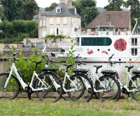 Wer auf einem A-Rosa Flussschiff unterwegs ist, kann auf allen Städte- und Naturreisen aktiv mit dem Fahrrad und E-Bikes auf Entdeckungstour gehen.