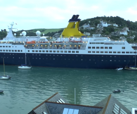 Das Kreuzfahrtschiff Saga Pearl 2 der britischen Reederei Saga Cruiseshat im Hafen von Dartmouth am frühen Morgen vier Segelboote gerammt.