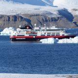 Reportage über eine Fahrt in die Nordwestpassage mit der Farm von Hurtigruten, die leider an den Eisverhältnissen scheiterte. Lesenswert!