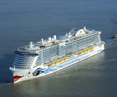 Die Aidanova hat die Probefahrten erfolgreich abgeschlossen und soll nun spätestens Anfang Dezember von der Meyer Werft an Aida übergeben werden.