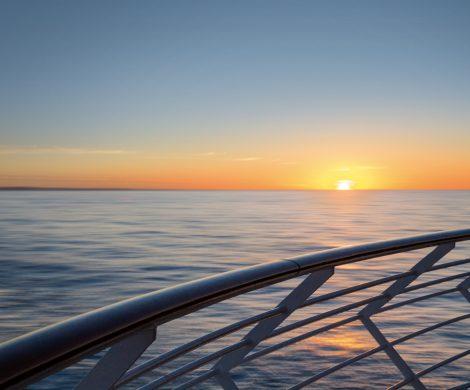 Der Adventskalender von Hapag-Lloyd Cruises wartet mit ganz besonderen Überraschungen hinter den Türchen, unter www.hl-cruises.de/adventskalender