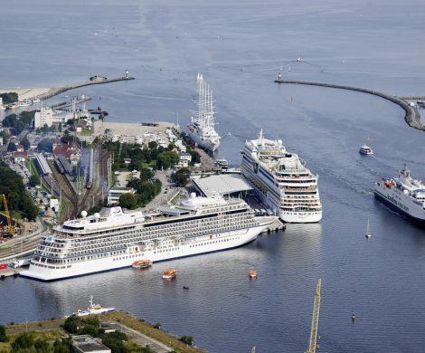 Warnemünde ist in 2018 mit 923.000 Passagieren Kreuzfahrthafen Nr. 1 in Deutschland vor Hamburg mit 915.0000 Passagieren und deutlich vor Kiel mit 600.000.
