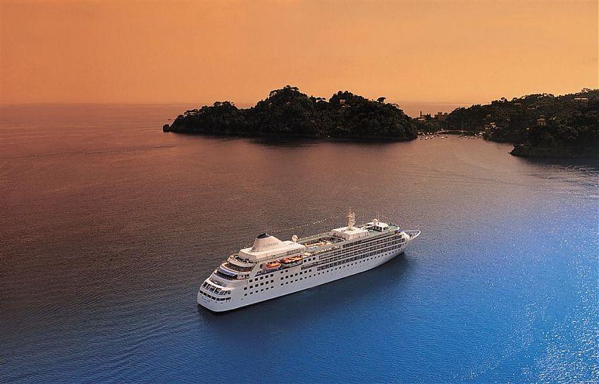 Silversea startet erstmalig eine Promotion für Alleinreisende und erlässt für vierzehn ausgesuchte Reisen den Einzel-Suiten-Zuschlag.